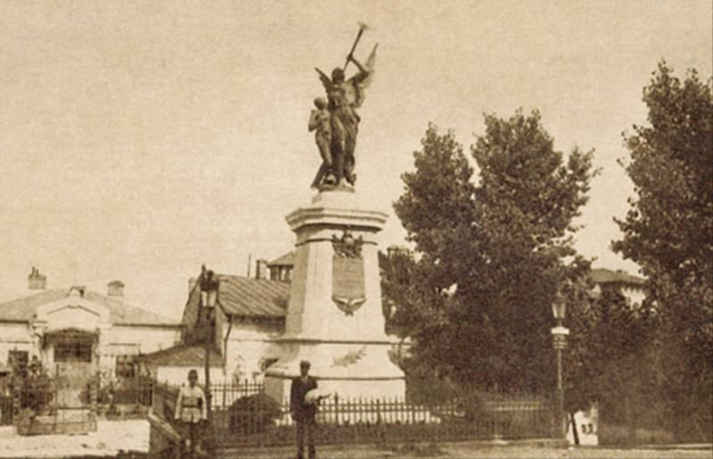 59. Dealul Spirii, Monument Inchinat Eroilor Pompieri