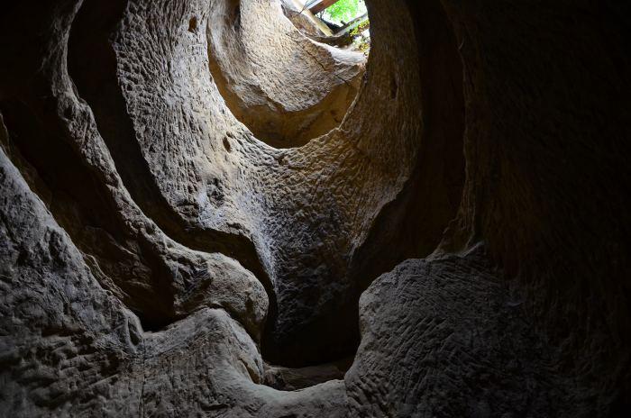 manastirea rupestra Sinca Veche (12)