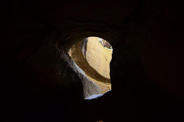 manastirea rupestra Sinca Veche (15)