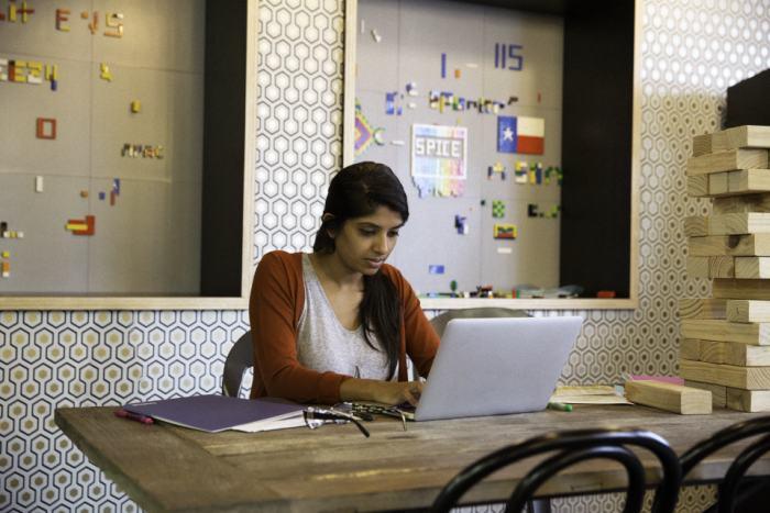 poze sediu birouri Facebook (4)
