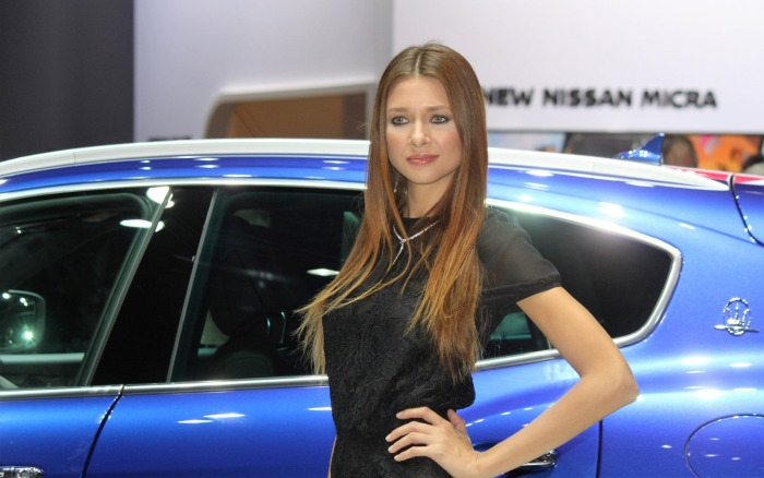 femei-salon-auto-paris-2016-1