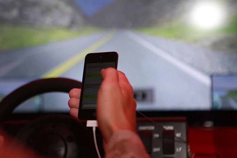 telefon cand conduci masina
